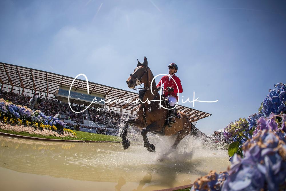 Schwizer Pius (SUI) - Rafale Des Forets <br /> Derby de la région des Pays de la Loire<br /> Longines Jumping International La Baule 2014<br /> © Hippo Foto - Dirk Caremans