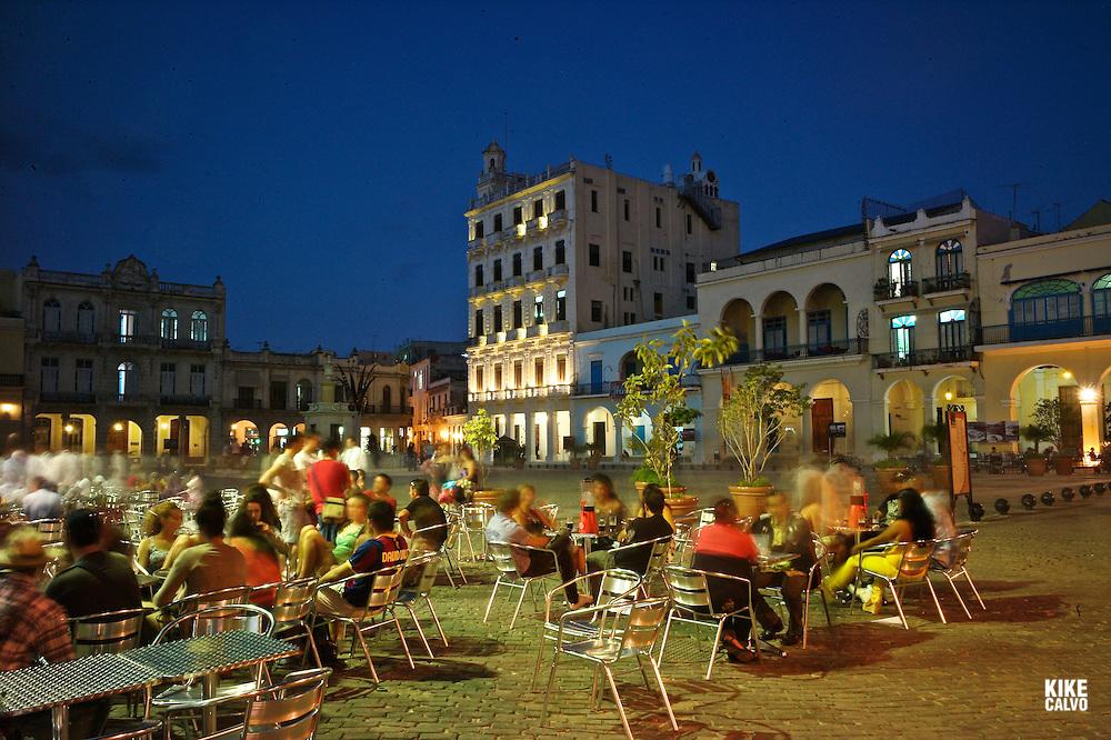 Night scene of Plaza Vieja, now a major tourism landmark.