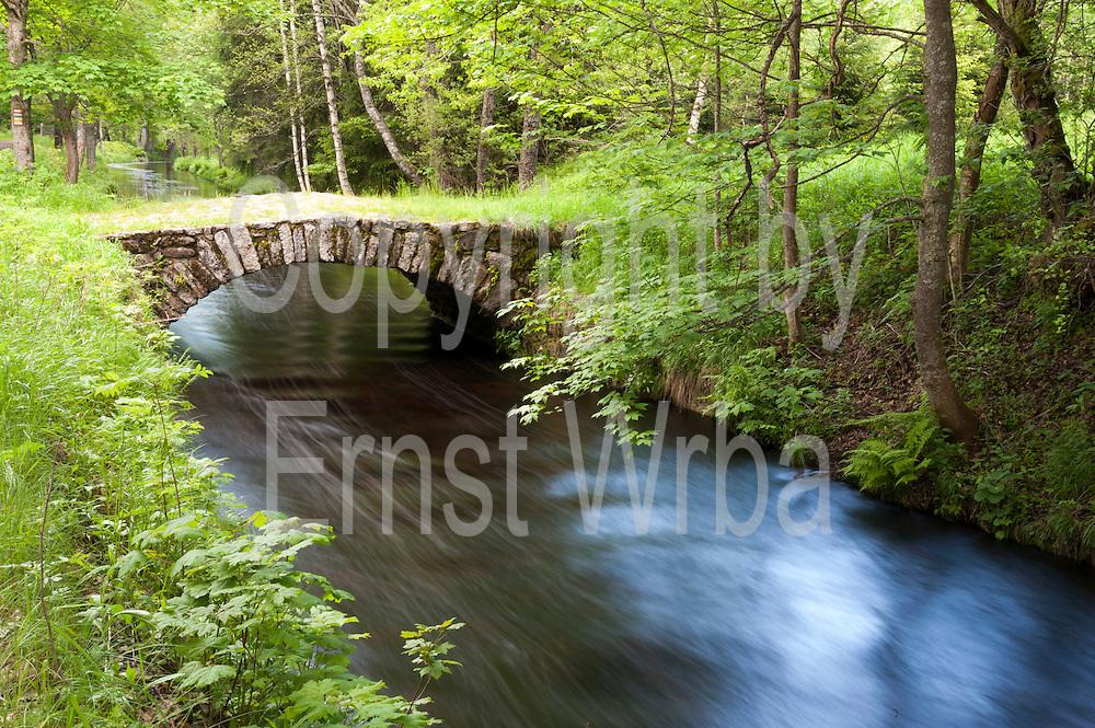 Tettauer Schwemmkanal, Brücke, Sumava Nationalpark, Böhmerwald, Tschechien   Tettau sluiceway, Sumava national park, Bohemian Forest, Czech Republic
