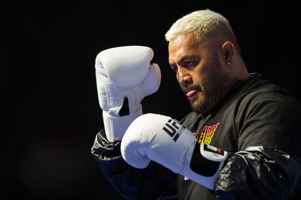 LAS VEGAS, NV - JULY 7:  Mark Hunt hits mitts during the UFC 200 open workouts at T-Mobile Arena on July 7, 2016 in Las Vegas, Nevada. (Photo by Cooper Neill/Zuffa LLC/Zuffa LLC via Getty Images) *** Local Caption *** Mark Hunt