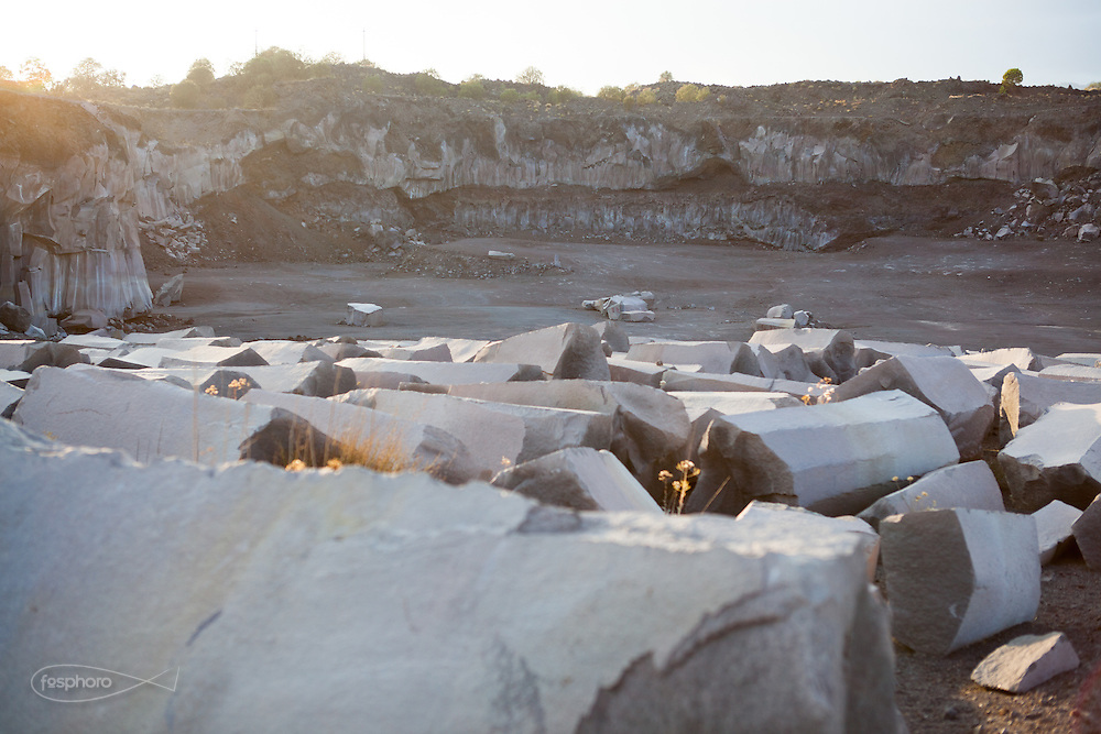 Etna(CT) - Blocchi di pietra lavica in una cava alle pendici del vulcano.