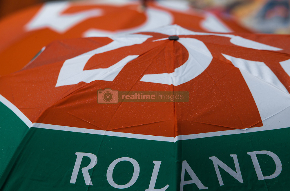 June 1, 2018 - Paris, Ile-de-France, France - Rain break at Roland Garros Grand Slam Tournament - Day 6 on June 01, 2018 in Paris, France. (Credit Image: © Robert Szaniszlo/NurPhoto via ZUMA Press)