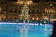 ICE RINK, Winter party hosted by the Somerset House Trust and Tiffany's. To celebrate the opening of the Ice Rink at Somerset House. 20 November 2007. -DO NOT ARCHIVE-© Copyright Photograph by Dafydd Jones. 248 Clapham Rd. London SW9 0PZ. Tel 0207 820 0771. www.dafjones.com.
