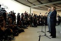 17 OCT 2005, BERLIN/GERMANY:<br /> Edmund Stoiber (L), CSU, Ministerpraesident Bayern, und Angela Merkel (R), CDU Bundesvorsitzende, waehrend einer Pressekonferenz, nach der Fraktionssitzung der CDU/CSU, Deutscher Bundestag<br /> Edmund Stoiber (L), Minister President of Bavaria, and Angela Merkel (R), Chairwoman of the Christian Democratic Union, during a press conference, after a sitting of the CDU/CSU parliamentary group, Deutscher Bundestag<br /> IMAGE: 20051017-04-018<br /> KEYWORDS: Fotografen, Fotojournalisten, Journalisten