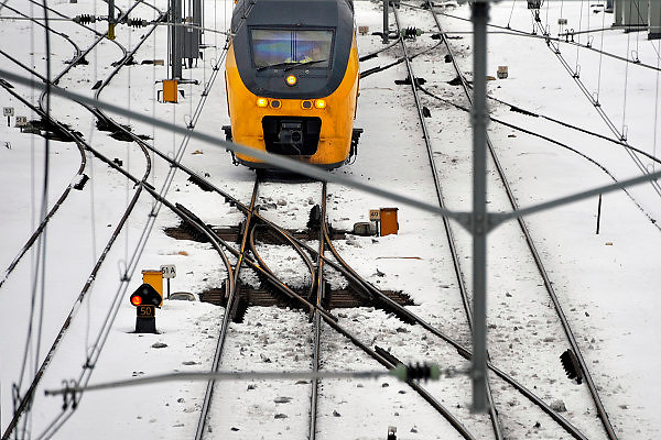 Nederland, Nijmegen, 28-12-2010De N.S. heeft grote problemen door het aanhoudende winterweer. Bevroren wissels zorgen voor grote problemen. Op de foto wissels die wel werken.Foto: Flip Franssen/Hollandse Hoogte