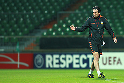 17.03.2010, Weser Stadion, Bremen, GER, UEFA Europa League, Abschlusstraining FC Valencia, im Bild Unai Emery (Trainer / Coach Valencia). EXPA Pictures © 2010, PhotoCredit: EXPA/ nph/  Arend