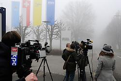 03.12.2015, FIFA headquarters, Zürich, SUI, FIFA Hauptquartier in Zürich, Kongress 2015, im Bild Medien im Eingangsbereich des FIFA Hauptquartier // Media in front of the FIFA headquarters in Zurich during the 2015 FIFA Congress at the FIFA headquarters in Zürich, Switzerland on 2015/12/03. EXPA Pictures © 2015, PhotoCredit: EXPA/ Freshfocus/ Steffen Schmidt<br /> <br /> *****ATTENTION - for AUT, SLO, CRO, SRB, BIH, MAZ only*****