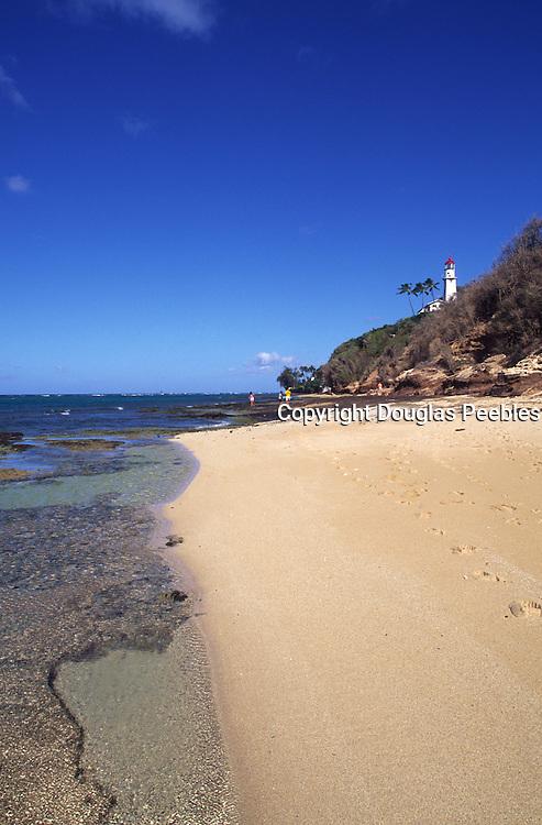 Diamond Head Beach and Lighthouse, Oahu, Hawaii<br />