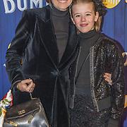 NLD/Amsterdams/20190326 - Filmpremiere Dumbo, Chazia Mourali en dochter Jasmijn