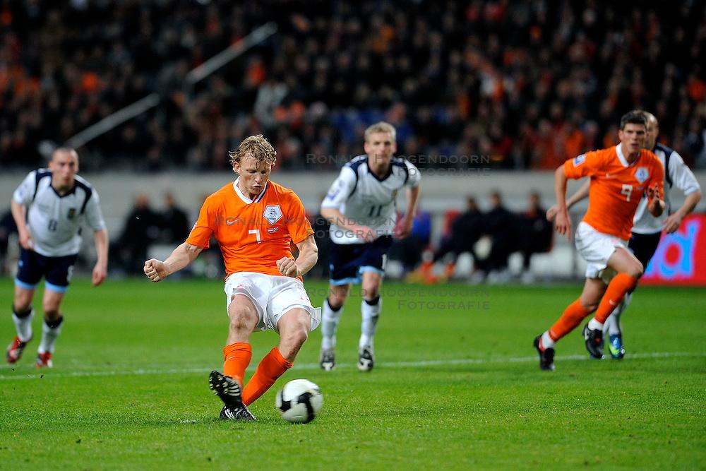 28-03-2009 VOETBAL: WK KWALIFICATIE NEDERLAND - SCHOTLAND: AMSTERDAM<br /> Dirk Kuyt scoort de 3-0 uit een penalty<br /> &copy;2009-WWW.FOTOHOOGENDOORN.NL