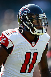 OAKLAND, CA - SEPTEMBER 18: Wide receiver Julio Jones #11 of the Atlanta Falcons warms up before the game against the Oakland Raiders at Oakland-Alameda County Coliseum on September 18, 2016 in Oakland, California. The Atlanta Falcons defeated the Oakland Raiders 35-28. Photo by Jason O. Watson/Getty Images) *** Local Caption *** Julio Jones