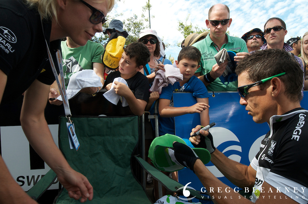 McEwen Signs Autographs = athletes laid back and easy to access - 2012 Santos Tour Down Under - Adelaide