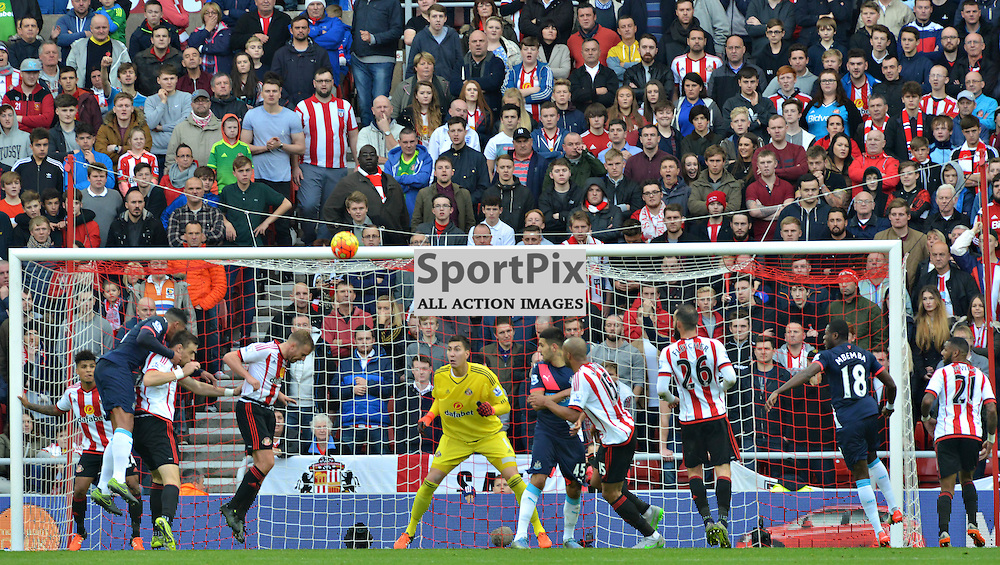 One of Newcastle's few chances against Sunderland.....(c) BILLY WHITE | SportPix.org.uk