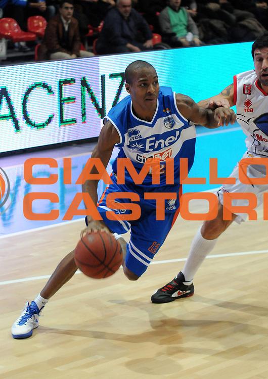 DESCRIZIONE : Piacenza Campionato Lega Basket A2 2011-12 Morpho Basket Piacenza Enel Brindisi<br /> GIOCATORE : Gregory Alexander Renfroe<br /> SQUADRA : Enel Brindisi<br /> EVENTO : Campionato Lega Basket A2 2011-2012<br /> GARA : Morpho Basket Piacenza Enel Brindisi<br /> DATA : 27/11/2011<br /> CATEGORIA : Palleggio Penetrazione<br /> SPORT : Pallacanestro<br /> AUTORE : Agenzia Ciamillo-Castoria/L.Lussoso<br /> Galleria : Lega Basket A2 2011-2012<br /> Fotonotizia : Piacenza Campionato Lega Basket A2 2011-12 Morpho Basket Piacenza Enel Brindisi<br /> Predefinita :