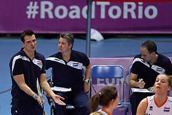 04-01-2016 TUR: European Olympic Qualification Tournament Nederland - Duitsland, Ankara <br /> De Nederlandse volleybalvrouwen hebben de eerste wedstrijd van het olympisch kwalificatietoernooi in Ankara niet kunnen winnen. Duitsland was met 3-2 te sterk (28-26, 22-25, 22-25, 25-20, 11-15) / Coach Giovanni Guidetti, Assistent Coach Saskia van Hintum