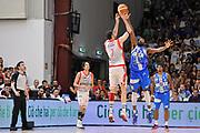 DESCRIZIONE : Campionato 2014/15 Serie A Beko Dinamo Banco di Sardegna Sassari - Grissin Bon Reggio Emilia Finale Playoff Gara4<br /> GIOCATORE : Darius Lavrinovic<br /> CATEGORIA : Tiro Tre Punti Three Point Controcampo Ritardo<br /> SQUADRA : Grissin Bon Reggio Emilia<br /> EVENTO : LegaBasket Serie A Beko 2014/2015<br /> GARA : Dinamo Banco di Sardegna Sassari - Grissin Bon Reggio Emilia Finale Playoff Gara4<br /> DATA : 20/06/2015<br /> SPORT : Pallacanestro <br /> AUTORE : Agenzia Ciamillo-Castoria/C.Atzori