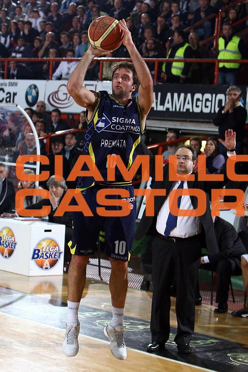 DESCRIZIONE : Caserta Lega A 2009-10 Pepsi Caserta Sigma Coatings Montegranaro<br /> GIOCATORE : Daniele Cavaliero <br /> SQUADRA : Sigma Coatings Montegranaro<br /> EVENTO : Campionato Lega A 2009-2010 <br /> GARA : Pepsi Caserta Sigma Coatings Montegranaro<br /> DATA : 07/02/2010<br /> CATEGORIA : tiro<br /> SPORT : Pallacanestro <br /> AUTORE : Agenzia Ciamillo-Castoria/E.Castoria<br /> Galleria : Lega Basket A 2009-2010 <br /> Fotonotizia : Caserta Campionato Italiano Lega A 2009-2010 Pepsi Caserta Sigma Coatings Montegranaro<br /> Predefinita :