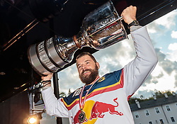 15.04.2016, Kapitelplatz, Salzburg, AUT, EBEL, Meisterfeier EC Red Bull Salzburg, im Bild Zdenek Kutlak (EC Red Bull Salzburg) // Zdenek Kutlak (EC Red Bull Salzburg) during the Erste Bank Icehockey Liga Championships Party of EC Red Bull Salzburg at the Kapitelplatz in Salzburg, Austria on 2016/04/15. EXPA Pictures © 2016, PhotoCredit: EXPA/ JFK