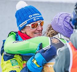 10.02.2019, Aare, SWE, FIS Weltmeisterschaften Ski Alpin, Abfahrt, Damen, Siegerpräsentation, im Bild Weltmeisterin und Goldmedaillengewinnerin Ilka Stuhec (SLO) mit Mutter // World champion and gold medalist Ilka Stuhec of Slovenia with mother Darja Crnko during the winner presentation for the ladie's Downhill competition of FIS Ski World Championships 2019. Aare, Sweden on 2019/02/10. EXPA Pictures © 2019, PhotoCredit: EXPA/ Dominik Angerer