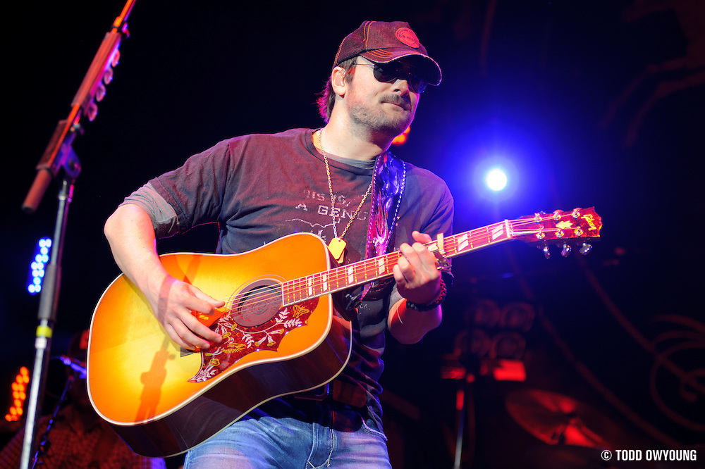 Eric Church performs on May 13, 2011 at Verizon Wireless Amphitheater in St. Louis, Missouri. © 2011 Todd Owyoung.