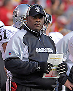 Oakland Raiders head coach Art Shell on the sidelines during action against Kansas City at Arrowhead Stadium in Kansas City, Missouri, November 19, 2006.  The Chiefs beat the Raiders 17-13.<br />