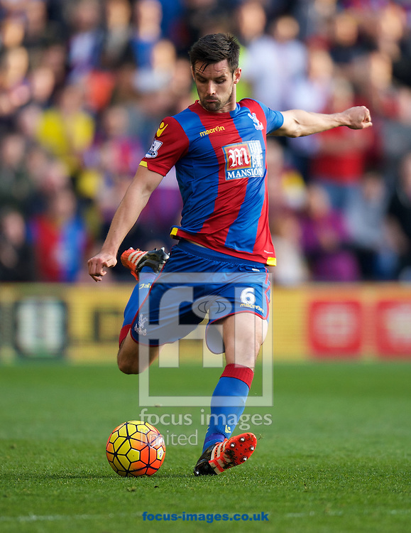 Scott Dann of Crystal Palace during the Barclays Premier League match at Selhurst Park, London<br /> Picture by Alan Stanford/Focus Images Ltd +44 7915 056117<br /> 31/10/2015