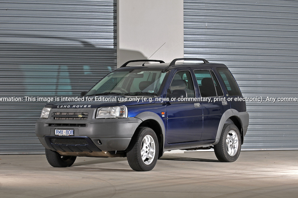 2002 Land Rover Freelander ES 5 Door - Blue.Docklands, Port Melbourne, Victoria.11th Janurary 2010 .(C) Joel Strickland Photographics.Use information: This image is intended for Editorial use only (e.g. news or commentary, print or electronic). Any commercial or promotional use requires additional clearance.