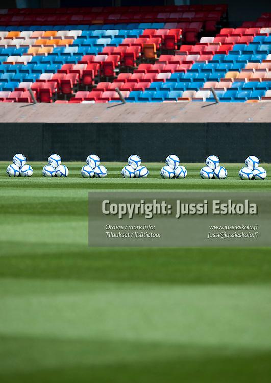 Ruotsin maajoukkueen harjoitukset. Råsunda, Tukholma 6.6.2011. Photo: Jussi Eskola