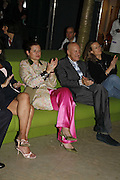 LORD AND LADY FOSTER AND SHEENA WAGSTAFF, Launch of Tat Modern's rehang of its permanent Collection in partnership with UBS. Tate Modertn. 23 May 2006. ONE TIME USE ONLY - DO NOT ARCHIVE  © Copyright Photograph by Dafydd Jones 66 Stockwell Park Rd. London SW9 0DA Tel 020 7733 0108 www.dafjones.com