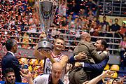 DESCRIZIONE : Supercoppa 2015 Finale EA7 Emporio Armani Milano - Grissin Bon Reggio Emilia<br /> GIOCATORE : Rimantas Kaukenas<br /> CATEGORIA : esultanza postgame premiazione<br /> SQUADRA : Grissin Bon Reggio Emilia<br /> EVENTO : Supercoppa 2015<br /> GARA : EA7 Emporio Armani Milano - Grissin Bon Reggio Emilia<br /> DATA : 27/09/2015<br /> SPORT : Pallacanestro <br /> AUTORE : Agenzia Ciamillo-Castoria/Max.Ceretti