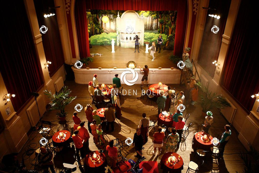 TONGEREN BELGIE - In het oude Casino waren de filmopnames van Mega Mindy en het Zwarte Kristal.  Met op de foto de filmset. FOTO LEVIN DEN BOER - PERSFOTO.NU