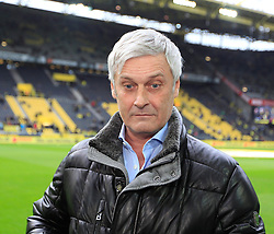 15.02.2014, Signal Iduna Park, Dortmund, GER, 1. FBL, Borussia Dortmund vs Eintracht Frankfurt, 21. Runde, im Bild Trainer Armin Veh (Eintracht Frankfurt) schaut entgeistert // during the German Bundesliga 21th round match between Borussia Dortmund and Eintracht Frankfurt at the Signal Iduna Park in Dortmund, Germany on 2014/02/15. EXPA Pictures © 2014, PhotoCredit: EXPA/ Eibner-Pressefoto/ Schueler<br /> <br /> *****ATTENTION - OUT of GER*****