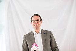 03.05.2019, Neosphäre, Wien, AUT, NEOS, Pressekonferenz mit der Präsentation der zweiten Plakatwelle anlässlich der EU-Wahl. im Bild Generalsekretär Nick Donig // during placard presentation of NEOS due to elections of the european parliament in Vienna, Austria on 2019/05/03. EXPA Pictures © 2019, PhotoCredit: EXPA/ Michael Gruber