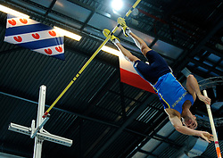 07-02-2010 ATLETIEK: NK INDOOR: APELDOORN<br /> Nederlands kampioen polsstokhoogspringen Robbert Jan Jansen<br /> ©2010-WWW.FOTOHOOGENDOORN.NL