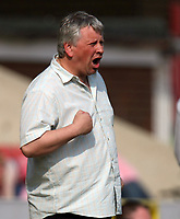 Photo: Rich Eaton.<br /> <br /> Swindon Town v Mansfield Town. Coca Cola League 2. 21/04/2007. Paul Sturrock Swindon manager shouts during the second half
