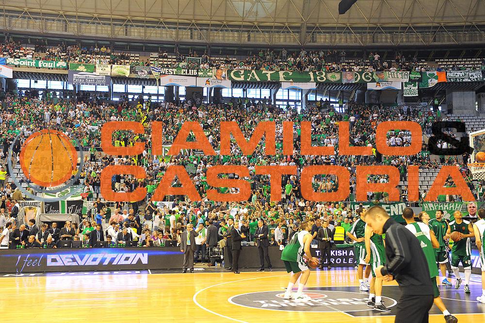 DESCRIZIONE : Barcellona Barcelona Eurolega Eurolegue 2010-11 Final Four Semifinale Semifinal Panathinaikos Montepaschi Siena<br /> GIOCATORE : tifosi<br /> SQUADRA : Panathinaikos<br /> EVENTO : Eurolega 2010-2011<br /> GARA : Panathinaikos Montepaschi Siena<br /> DATA : 06/05/2011<br /> CATEGORIA : spettacolo tifosi supporters<br /> SPORT : Pallacanestro<br /> AUTORE : Agenzia Ciamillo-Castoria/C.De Massis<br /> Galleria : Eurolega 2010-2011<br /> Fotonotizia : Barcellona Barcelona Eurolega Eurolegue 2010-11 Final Four Semifinale Semifinal Panathinaikos Montepaschi Siena<br /> Predefinita :