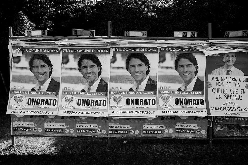 ROMA - 18 MAGGIO 2013: Scene urbane durante la campagna elettorale delle elezioni amministrative a Roma il 18 maggio 2013.