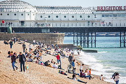 © Licensed to London News Pictures. 29/09/2016. Brighton, UK. Members of the public relax and enjoy the sunshine on the beach in Brighton and Hove. Photo credit: Hugo Michiels/LNP