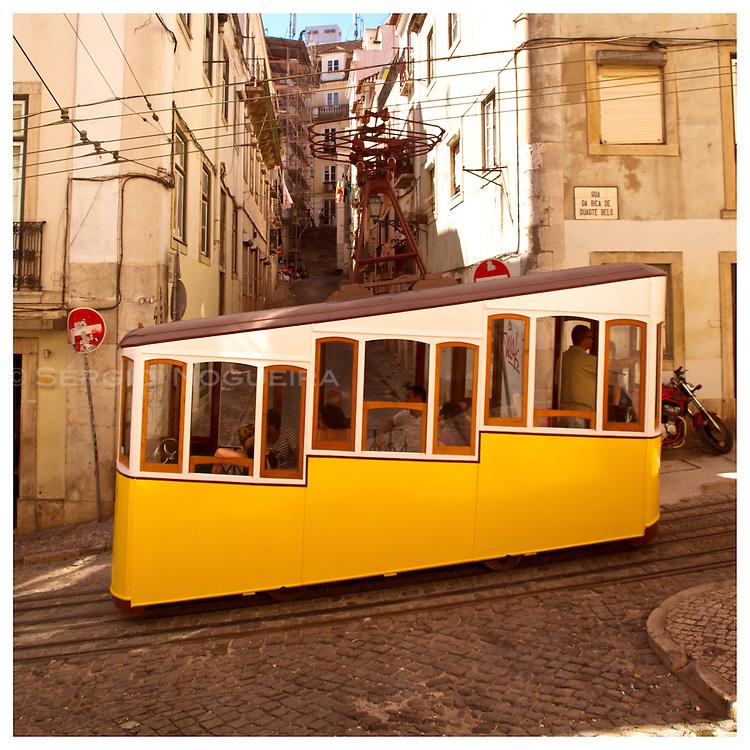 Bica lift, Lisbon