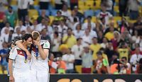 FUSSBALL WM 2014                       FINALE   Deutschland - Argentinien     13.07.2014 DEUTSCHLAND FEIERT DEN WM TITEL: Mats Hummels (li) und Per Mertesacker freuen sich nach dem Sieg