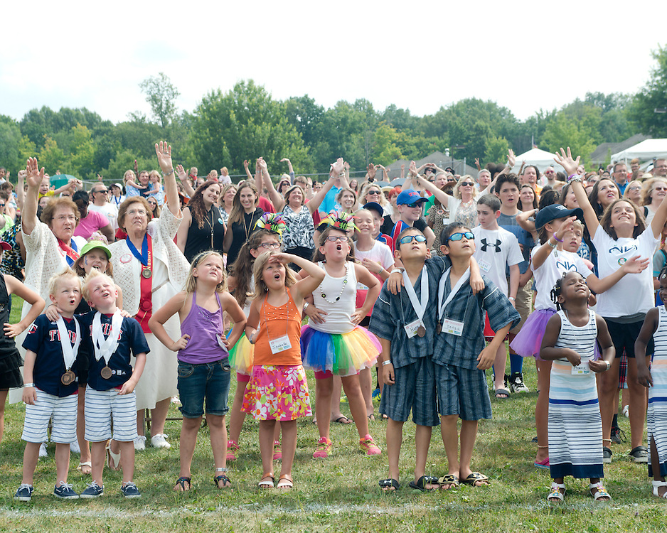 August 8, 2015 - During the group photo-op at the 40th annual Twinsburg Festival in Twinsburg, Ohio.<br /> <br /> Photo &copy; Susana Raab 2015