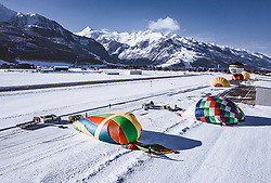 04.02.2019, Zell am See - Kaprun, AUT, BalloonAlps, im Bild Heissluftballone werden für den Start vorbereitet // Hot air balloons are prepared for the start  during the International Balloonalps Alps Crossing Event, Zell am See Kaprun, Austria on 2019/02/04. EXPA Pictures © 2019, PhotoCredit: EXPA/ JFK