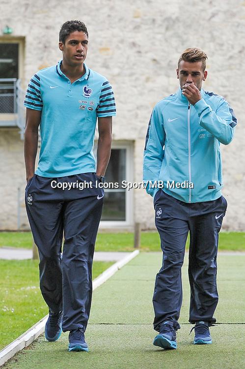 Raphael Varane / Antoine Griezmann - 01.06.2015 - Entrainement - Equipe de France - Clairefontaine<br />Photo : Andre Ferreira / Icon Sport