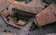 Bird view of Sorano's alleys.