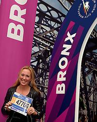 30-10-2015 USA: NYC Marathon We Run 2 Change Diabetes day 2, New York<br /> Na Expo met de groep op de fiets NY verkennen / Expo hal, inschrijving, Marieke