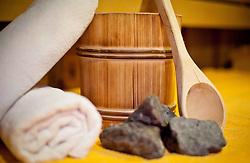 THEMENBILD - SAUNA.  Innenansicht einer Sauna, Handtücher, Schöpfer, Augußeimer, Steine, SYMBOLBILD FEATURE, aufgenommen am 29.09.2011, EXPA Pictures © 2011, PhotoCredit: EXPA/ J. Feichter