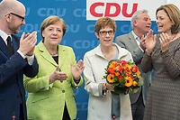 27 MAR 2016, BERLIN/GERMANY:<br /> Peter Tauber, CDU, Generalsekretaer, Angela Merkel, CDU, Budneskanzlerin, Annegret Kamp-Karrenbauer, CDU, Ministerpraesidentin Saarland, Thomas Strobl, Landesvorsitzender Baden-Wuerttemberg, Julia Kloeckner, CDU Landesvorsitzender Rheinland-Pfalz, (v.L.n.R.), vor Beginn einer Sitzung des Bundesvorstandes nach der Landtagswahl im Saarland, Konrad-Adenauer-aus<br /> IMAGE: 20170327-01-010<br /> KEYWORDS: Julia Kl&ouml;ckner, Jubel, Blumen, Applaus, klatschen