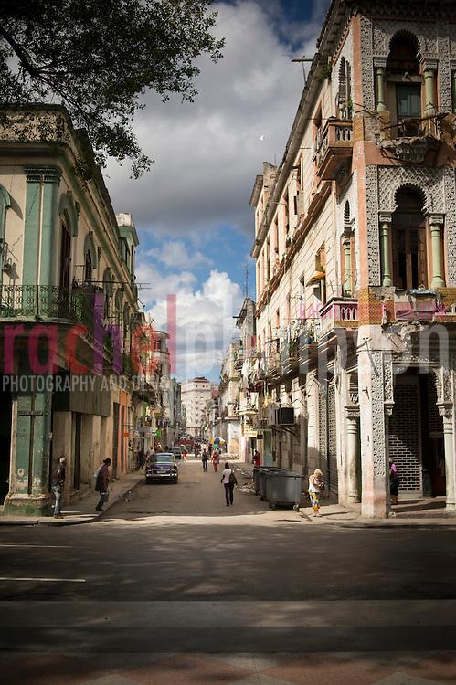 Cuba, Havana central, Street views, old cars