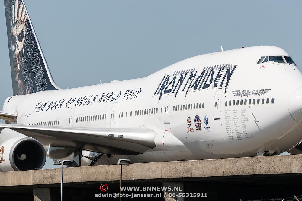 NLD/Amsterdam/20160606 - Iron maiden 747 vliegtuig op Schiphol Nederland