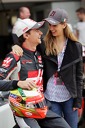Formel 1: Grosser Preis der USA in Austin, Renntag / 231016<br /> <br /> ***(L to R): Esteban Gutierrez (MEX) Haas F1 Team with his girlfriend Monica Casan.<br /> 23.10.2016. Formula 1 World Championship, Rd 18, United States Grand Prix, Austin, Texas, USA, Race Day.<br /> ***